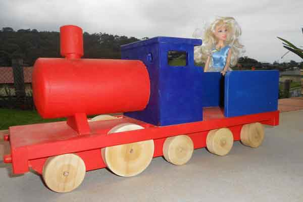 Free plans to build a wooden toy train.